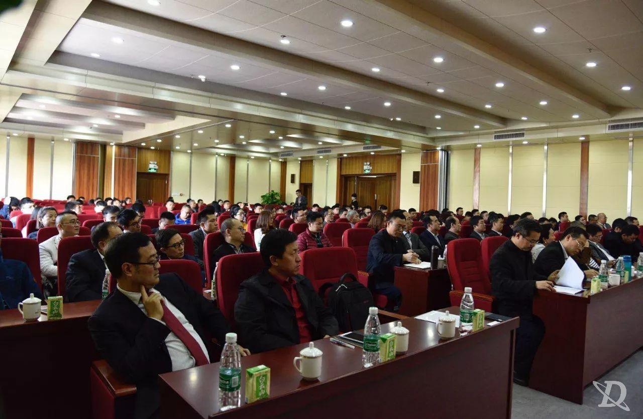 祝贺朗依荣获2017年中国医药十大营销案例