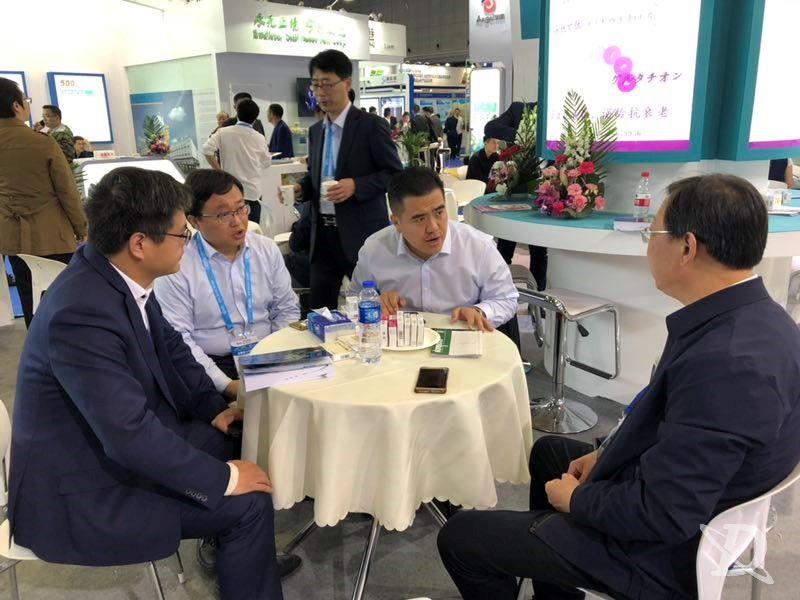 开发区领导助力金城朗依,汇聚上海药交会众心成城